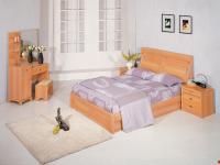 Giường và bàn trang điểm