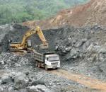 Khai thác quặng sắt, đá, cát sỏi, đất sét, khai thác và thu gom than bùn